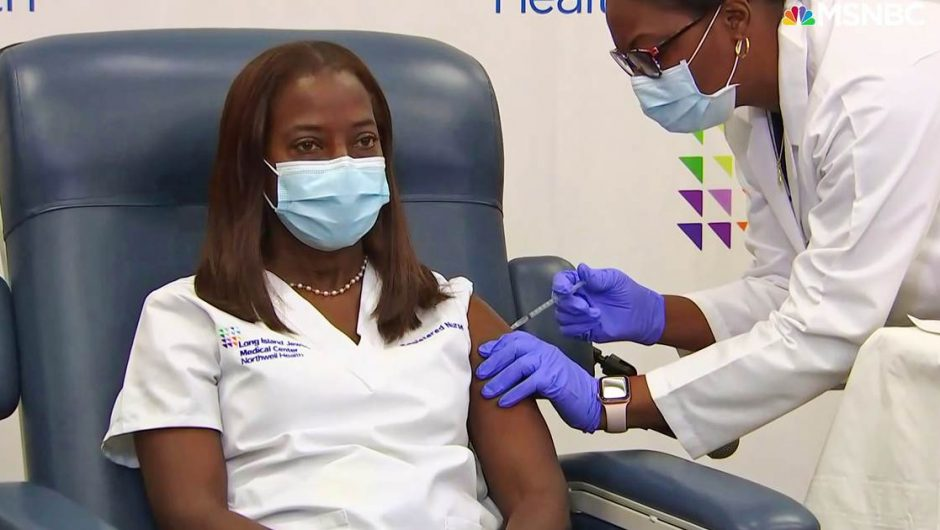 Covid 'D-Day': ICU nurse in New York among first in country to receive vaccination